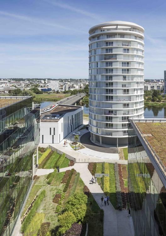 Tour Lumière / Jacques Ferrier Architecture, © Luc Boegly