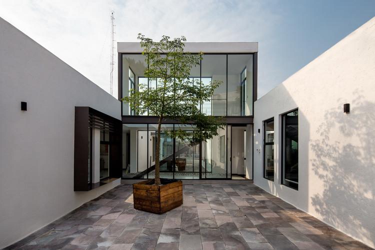 AG Consultores  / Dionne Arquitectos, © Jonathan Labastida