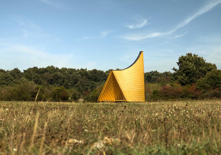 Hubertus Chapel / CAN Architects, Landscape. Image © Szilárd Köninger