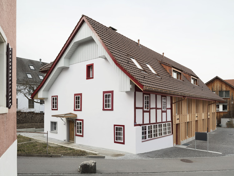 Restoration of a Farmhouse and Replacement of a Barn / Singer Baenziger Architekten, © Christian Senti