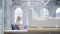 ¿Cómo es trabajar en una oficina de arquitectura en Londres? Marc Goodwin registra estas 17