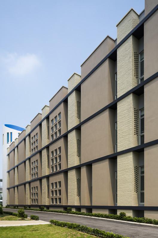 Brick Passive Designed University / Taisei Corporation, © Hiroyuki Oki