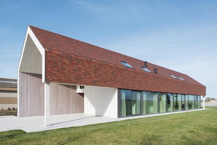 Landelijke woning arks architecten archdaily for Landelijke woning