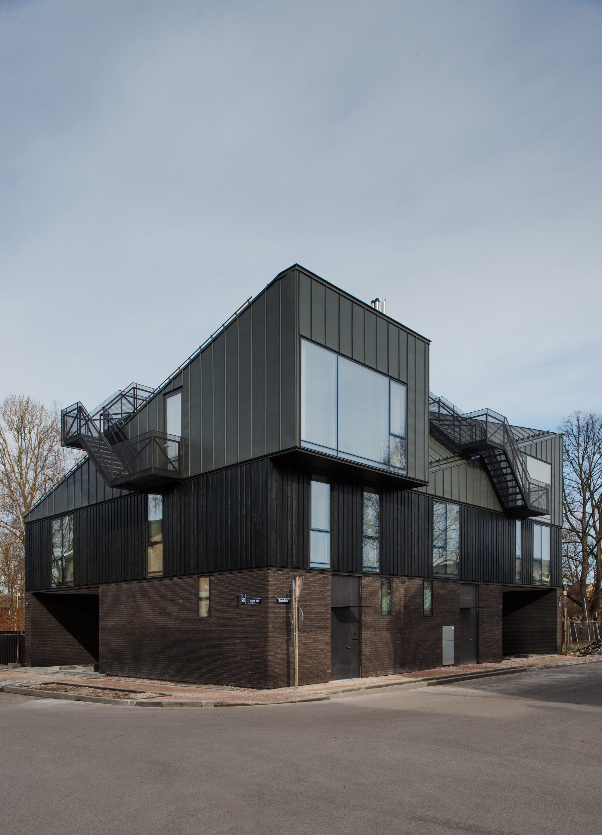 A Two Family House Ogle Nrja Archdaily