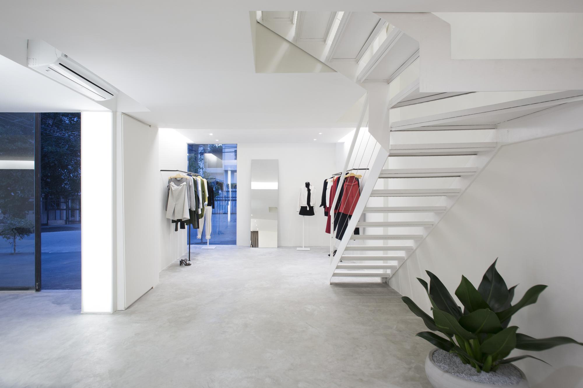 Best Image EGREY Store / MNMA studio