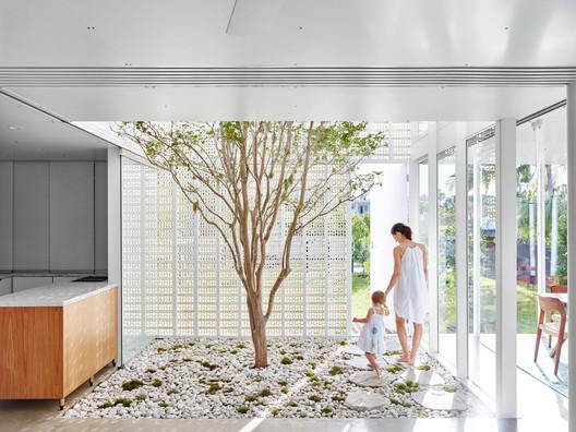 Naranga Avenue House  / James Russell Architect
