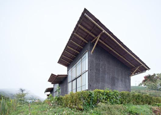 Centro de producción de orgánicos Chilsec / Proyecto Cafeína
