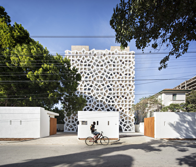 Tudor Apartments / Urko Sanchez Architects, © Javier Callejas