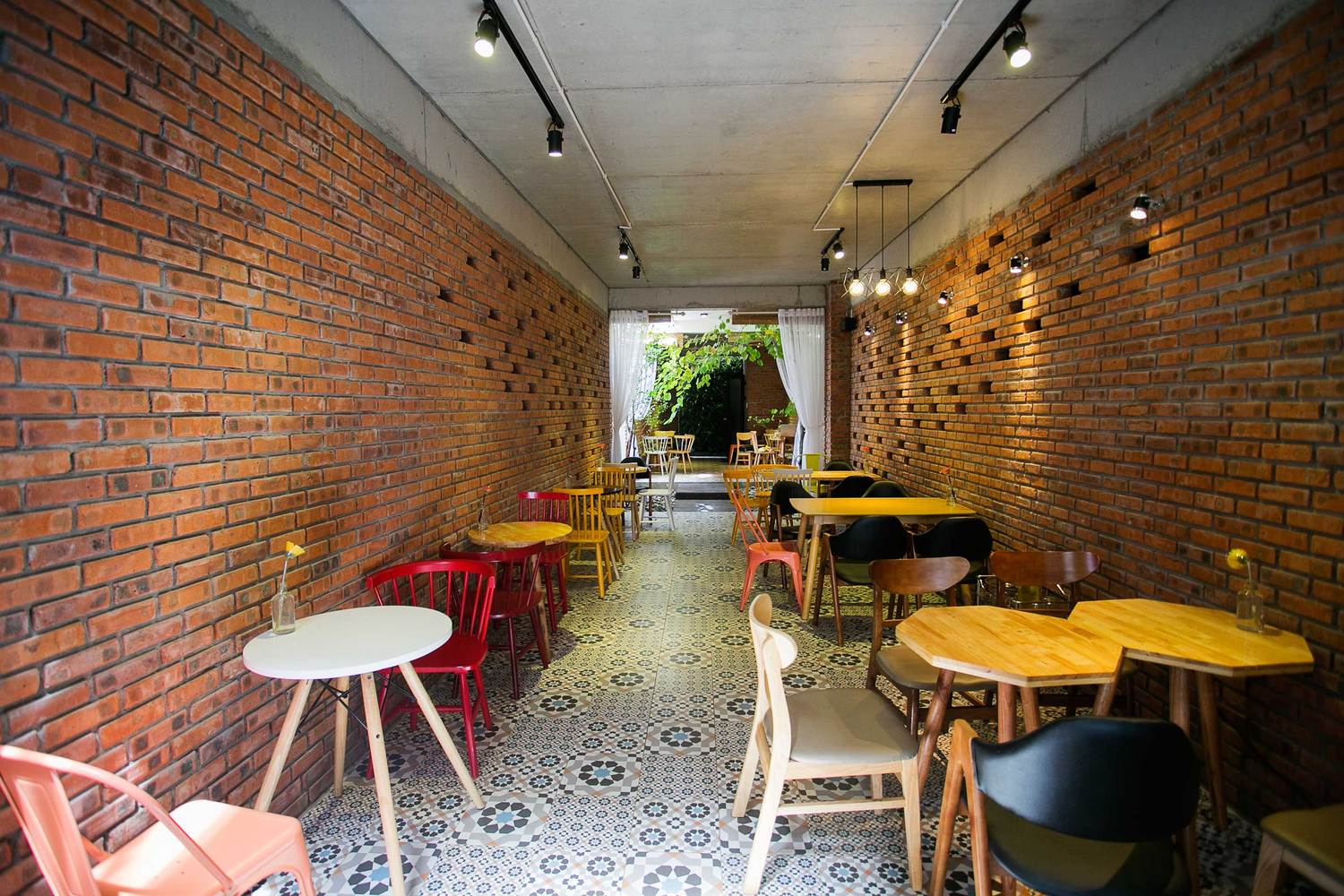 gallery of 85 coffee house 85 design 2 rh archdaily com coffee house design concept coffee house design pictures