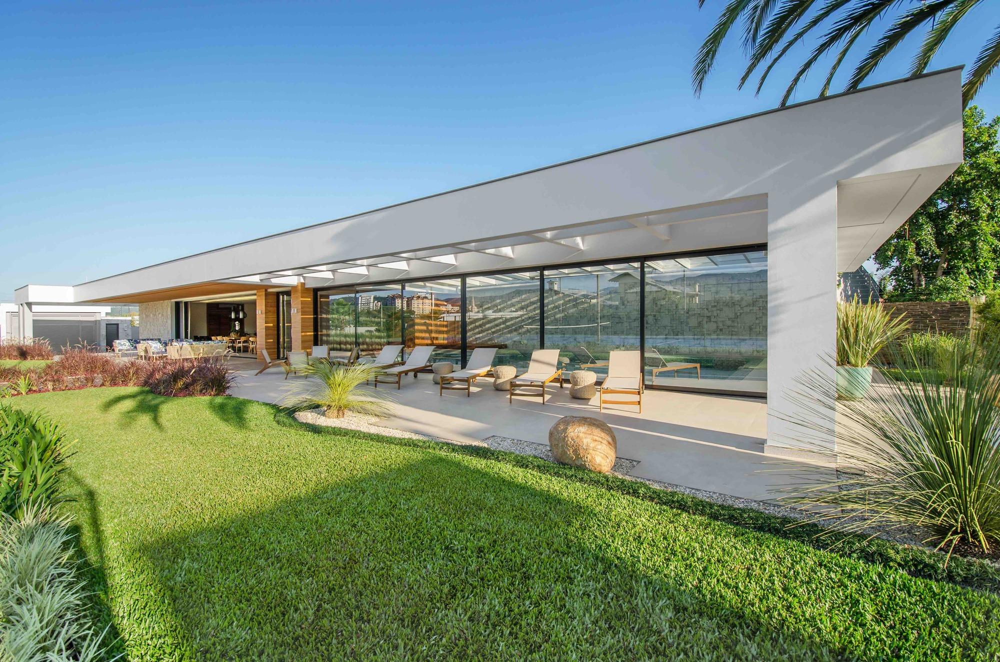 A c house studio colnaghi arquitetura archdaily - Las mejores casas del mundo ...