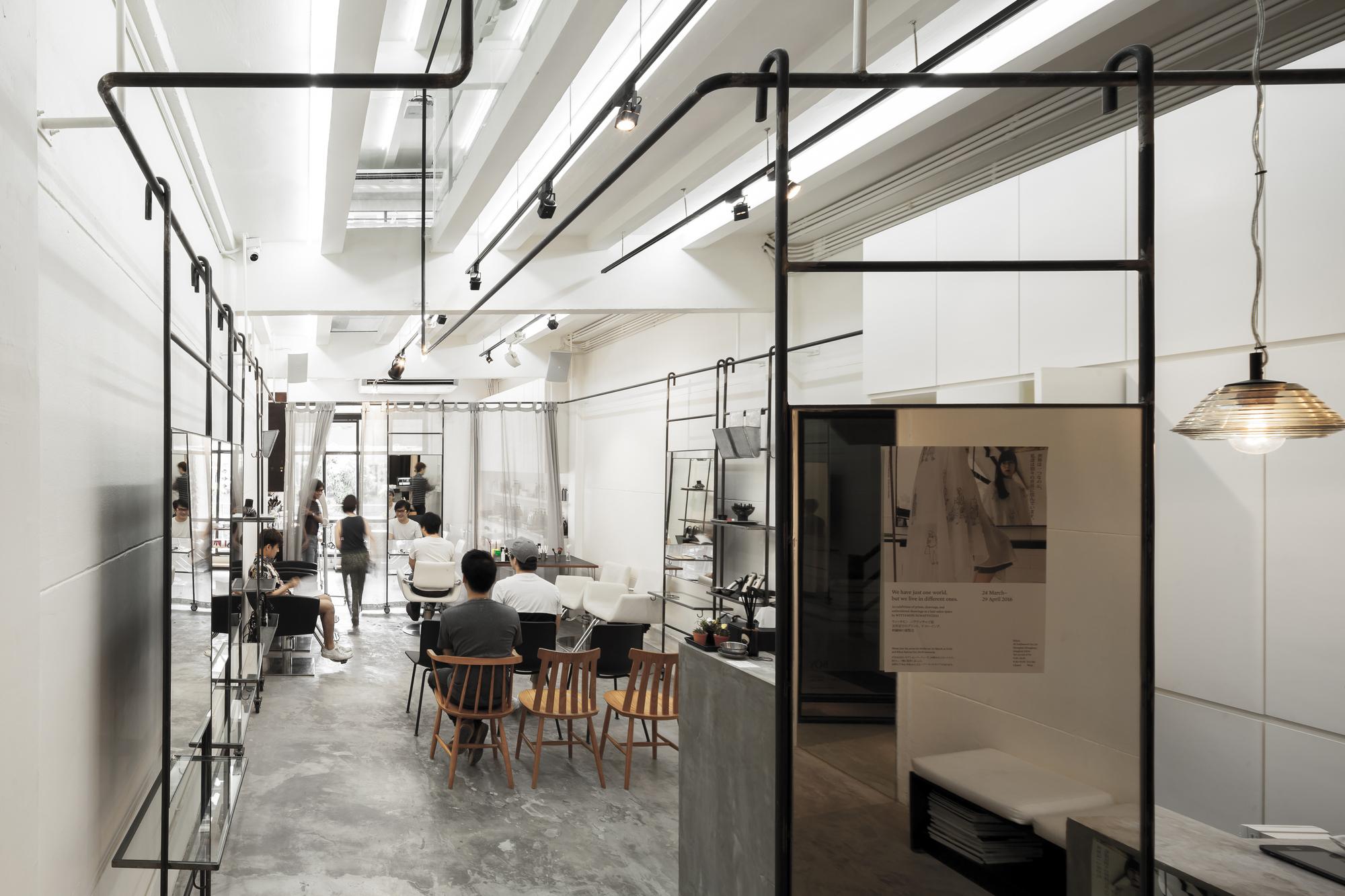 BOY Siam Square / Stu/D/O Architects