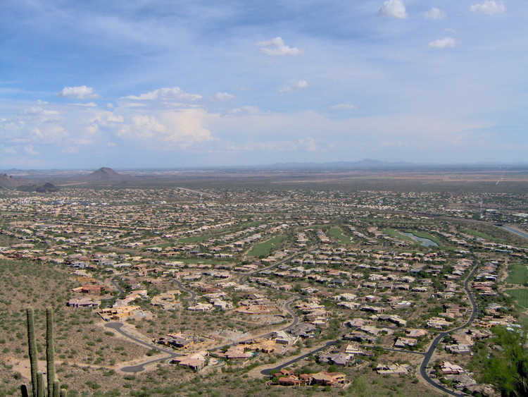 The One Redeeming Feature That Brings Humanity to the Sameness of Suburban Sprawl, Scottsdale, Arizona. Image <a href='https://commons.wikimedia.org/wiki/File:Scottsdale_cityscape4.jpg'>via Wikimedia</a> in public domain