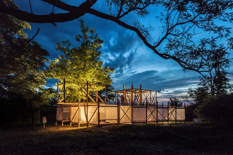 Students Construct 7 Inhabitation Structures at Hello Wood's 2017 Project Village, © Tamás Bujnovsky