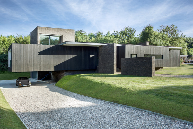 Black House / AR Design Studio, © Martin Gardner