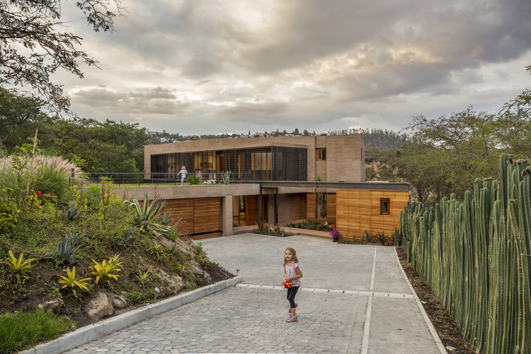 La casa en la quebrada / Diez + Muller Arquitectos, © Sebastián Crespo