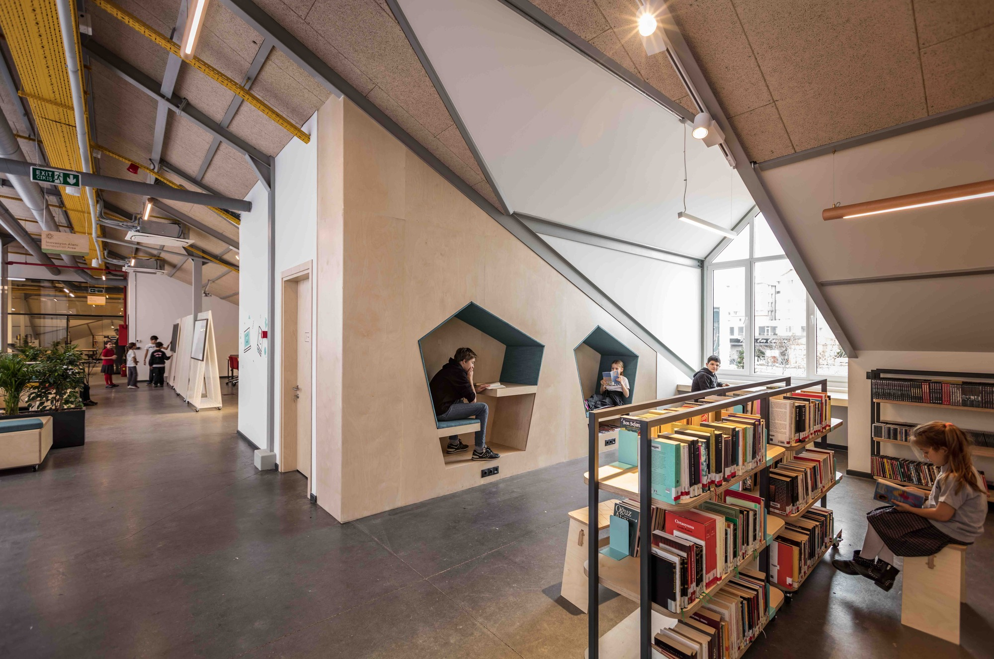 Private Sezin School Open Roof Space At Lye Archdaily