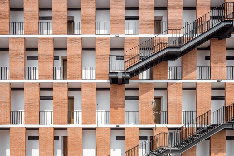 Edificio Emiliano Zapata  / HGR Arquitectos, © Diana Arnau