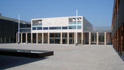 Edificio Ejercito Bicentenario / Iglesis Prat Arquitectos