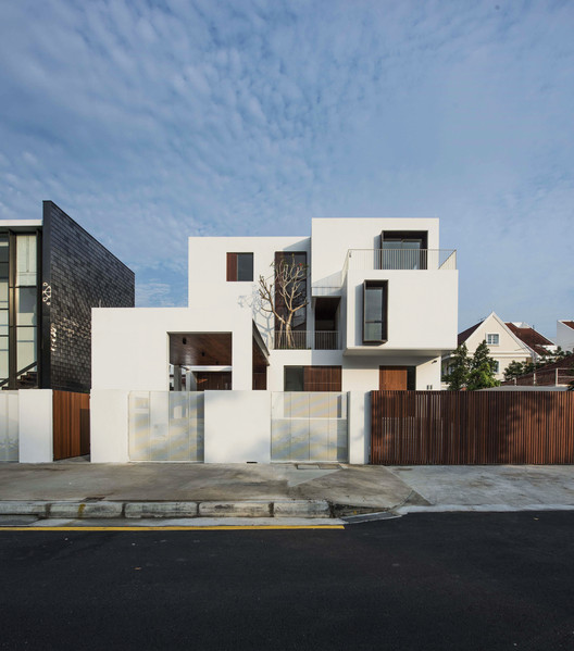 Casa Caja / Ming Architects, Facade. Image Courtesy of Ming Architects