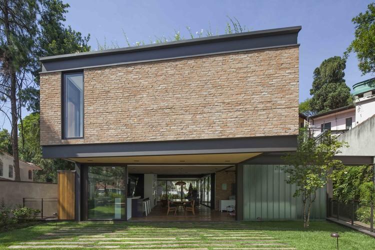 Pacaembu House / DMDV arquitetos, © Maira Acayaba