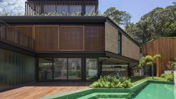 Casa Pacaembu  / DMDV arquitetos