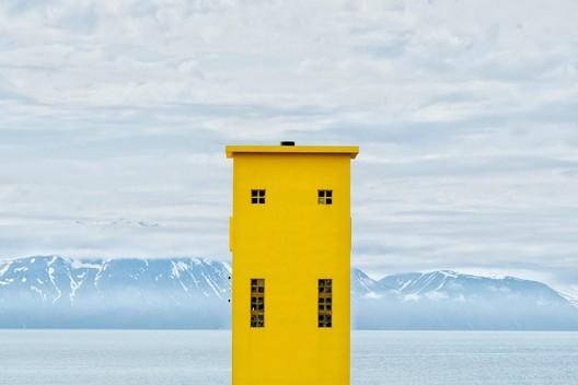 Lighthouse in Húsavík, Iceland. Image <a href='https://www.reddit.com/r/AccidentalWesAnderson/comments/6lg9c1/i_took_this_picture_of_a_lighthouse_in_h%C3%BAsav%C3%ADk/'>via Reddit user Milonade</a>