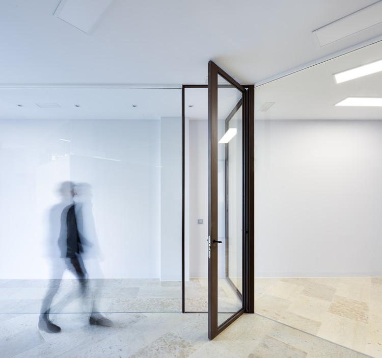 Podosalud Clinic / Marcos Miguelez, © Antonio Vazquez