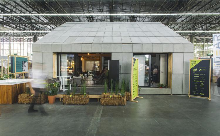 En 4 días se levantó una vivienda modular hecha en fabricación digital para la Feria de Diseño en Medellín, © Camilo Restrepo