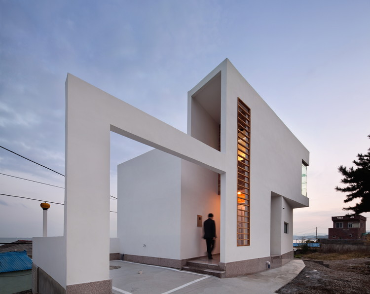 Half House / Architects Group RAUM,  Yoon Joon-hwan