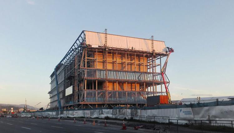 El momento más esperado de la construcción del Teatro Regional del Bío Bío de Smiljan Radic, © Daniel Boom