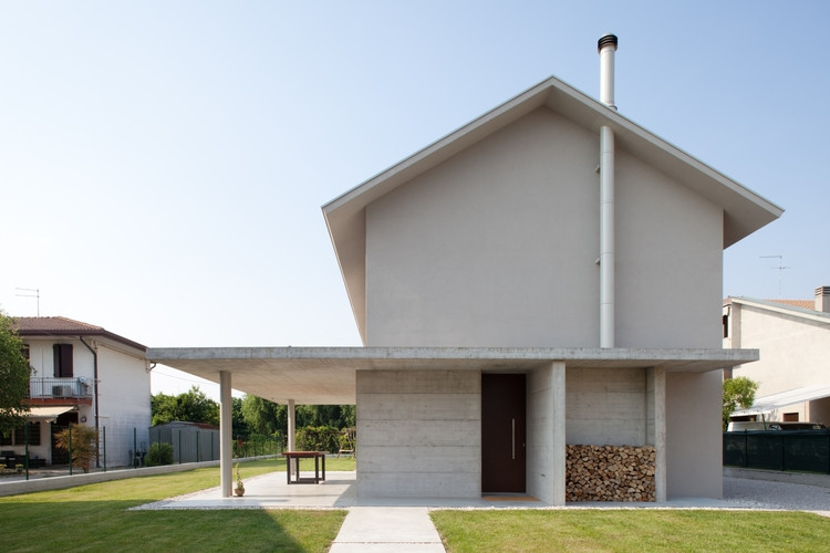 Detached House / MIDE architetti , © Alessanda Bello