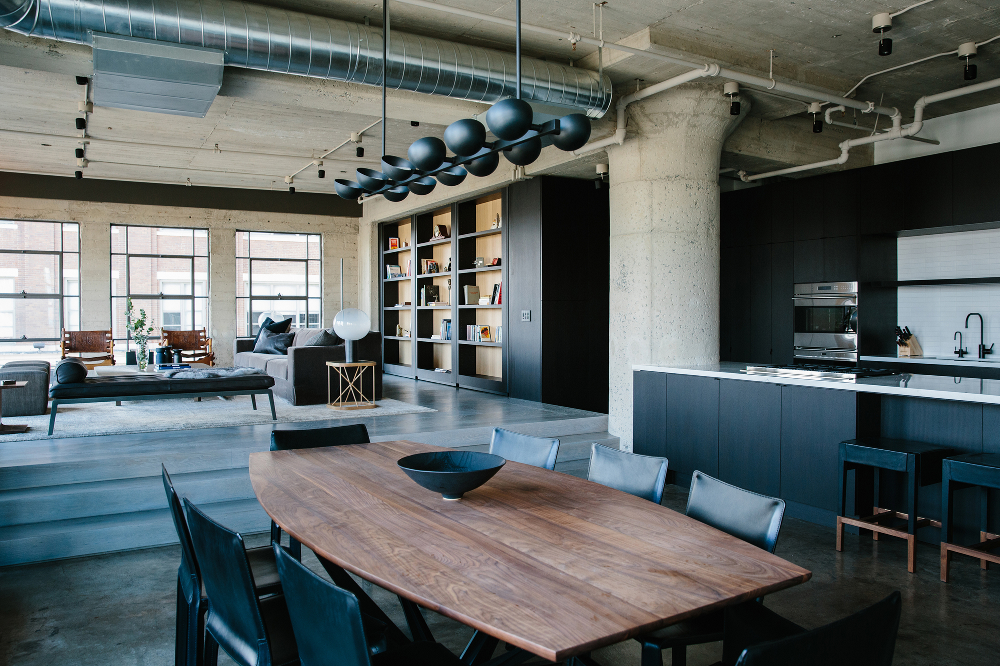 Arts district loft marmol radziner archdaily for How to design a loft