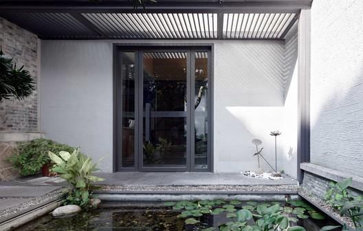 Vestibule. Image © Aoguan Performance of Architecture