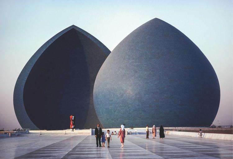 Clássicos da Arquitetura: Monumento Al Shaheed / Saman Kamal, © Steve McCurry