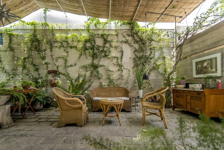 Entrada y terraza en Miraflores / Ghezzi Novak, © Renzo Rebagliati