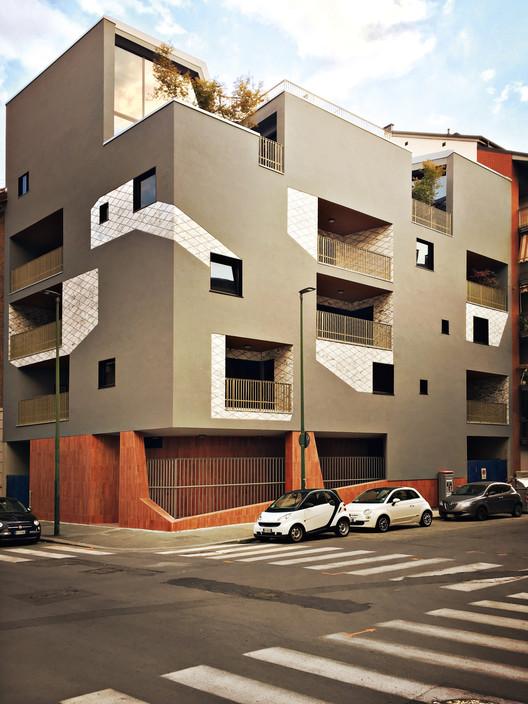 Urban Decor Residential Building / Marcante-Testa (UdA)