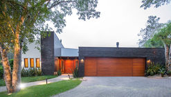 Casa Viva  / Lineastudio Arquiteturas