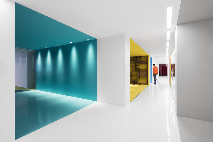 Playster headquarters acdf architecture archdaily for Acdf architecture