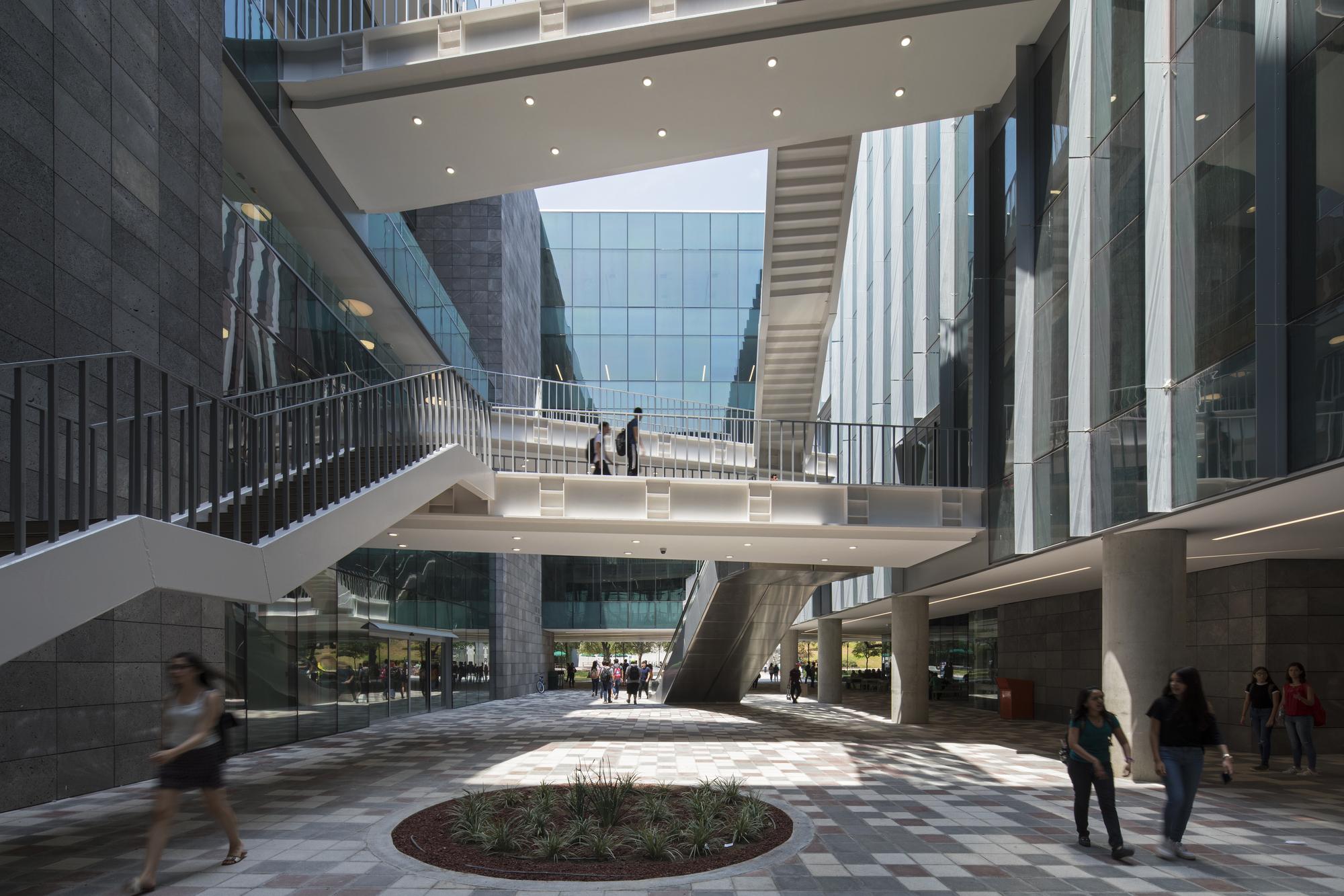 Se inaugura la nueva biblioteca del tecnol gico de for Adagio amsterdam