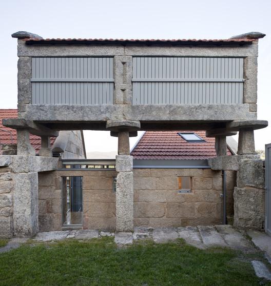 Rehabilitación de vivienda tradicional en Moscoso / LIQE arquitectura