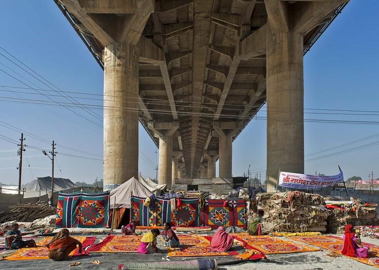 Exhibition: Does Permanence Matter? Ephemeral Urbanism, Kumbh Mehla Festival, Allahabad, India © 2013 Dinesh Mehta