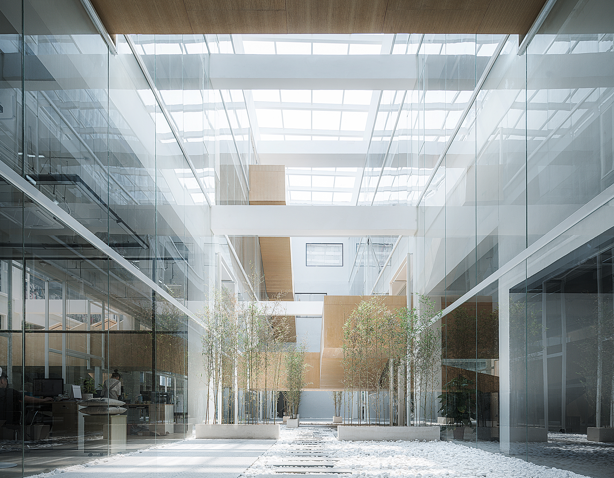 Dave Amp Bella Headquarters Lycs Architecture Archdaily