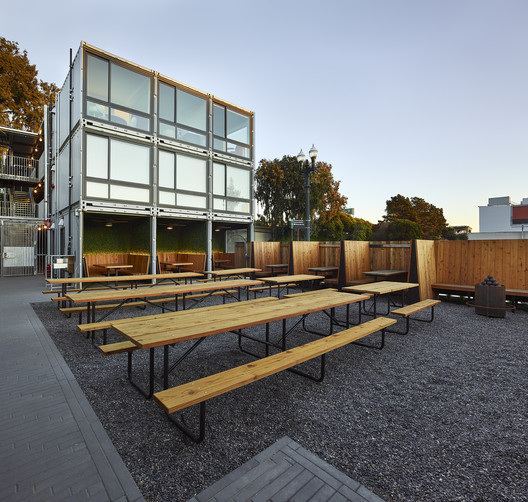 MacArthur Annex / Baran Studio Architecture