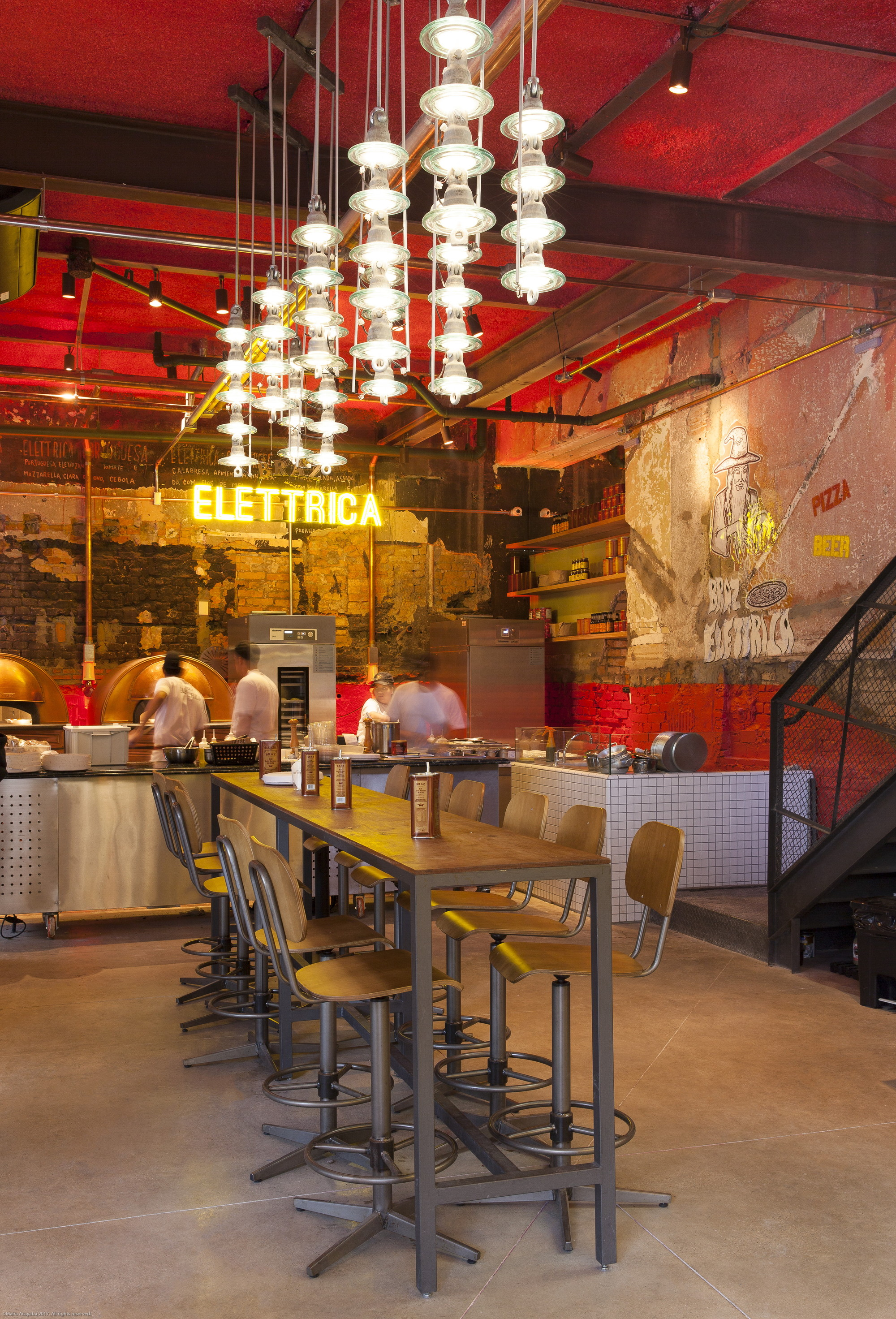 Gallery of br z elettrica pizza restaurant superlim o for Restaurante jardin botanico