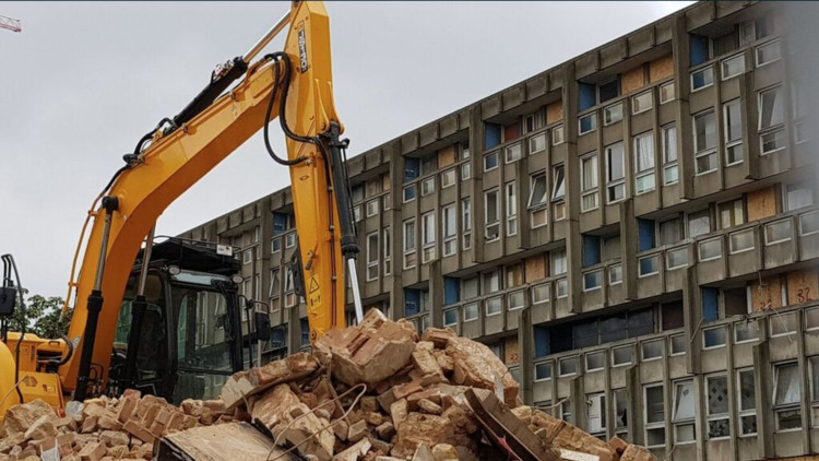 Demolition is Underway on Alison and Peter Smithson's Robin Hood Gardens in London, via <a href='http://https://twitter.com/saverobinhood/status/900359306658369536'>Twitter user @saverobinhood</a>