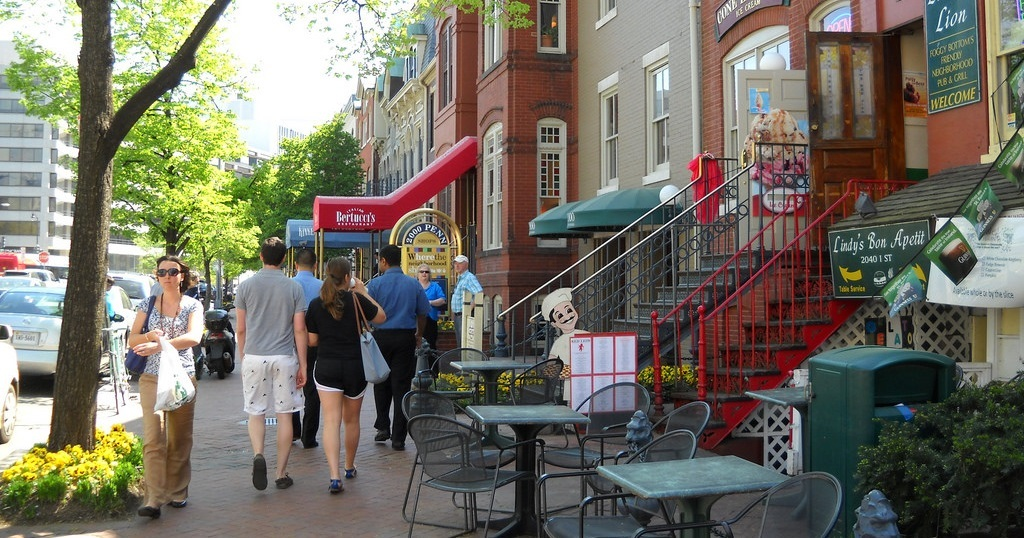 What's Stopping Urban Designers From Creating Walkable Neighborhoods From Scratch?