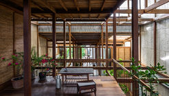 House in Chau Doc / NISHIZAWAARCHITECTS