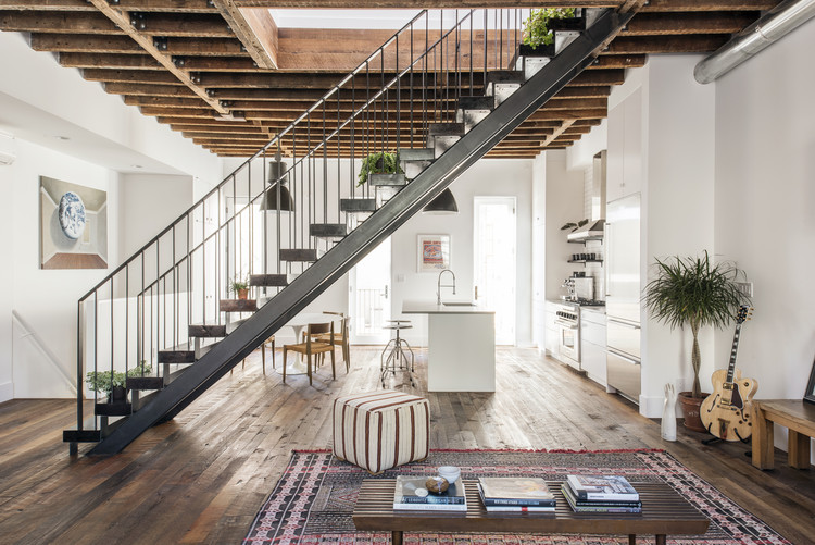 Lorimer Street Townhouse / Elizabeth Roberts Architecture and Design, © Dustin Aksland