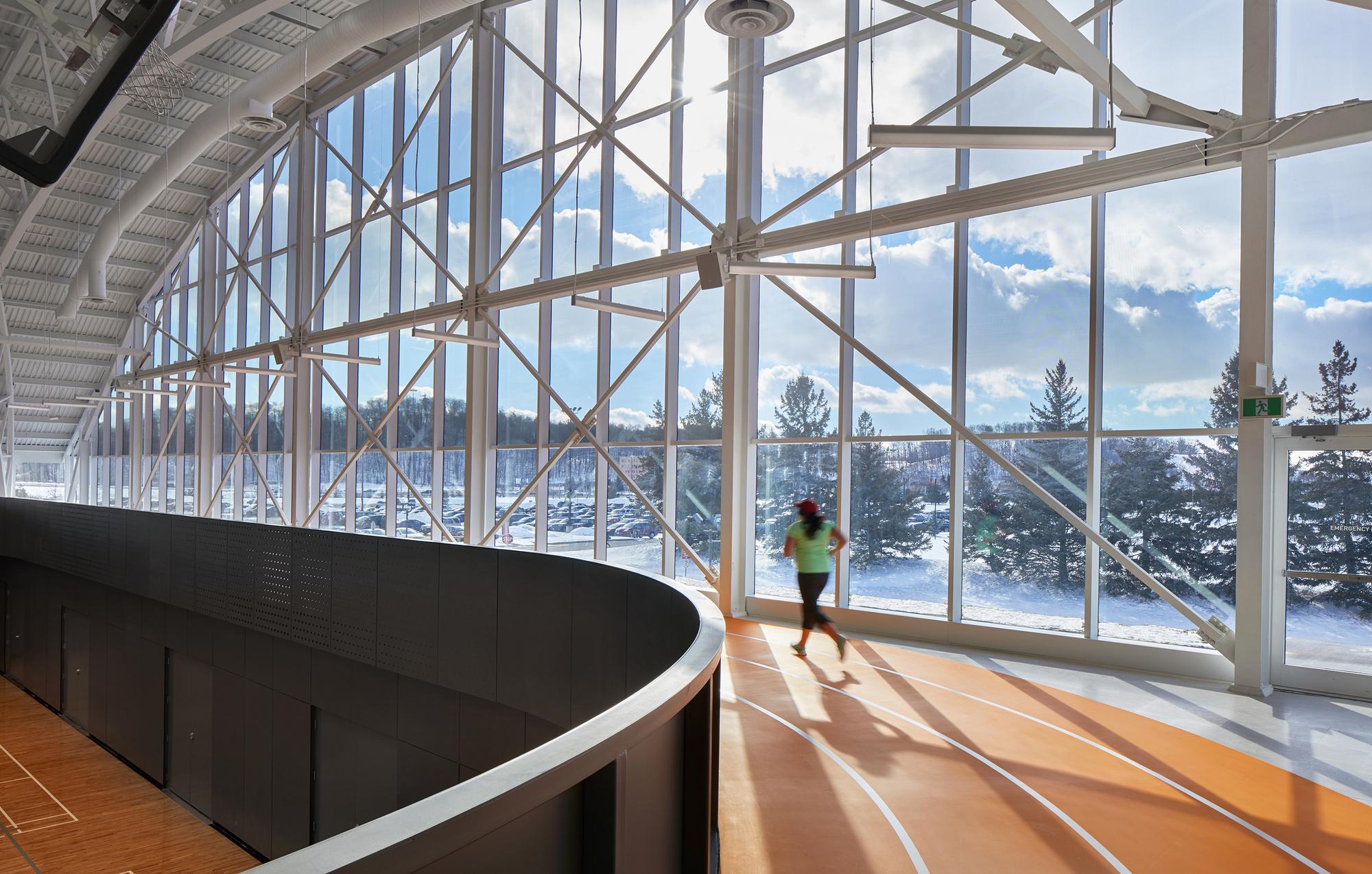 Conestoga College Student Recreation Centre / MJMA | ArchDaily