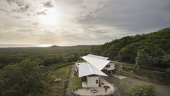 Pájaro de Plata House / OsArquitectura